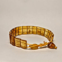 Load image into Gallery viewer, PREMIUM COLLECTION - Natural Amber bracelet