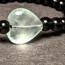 Load image into Gallery viewer, Onyx and Fluorite heart bracelet