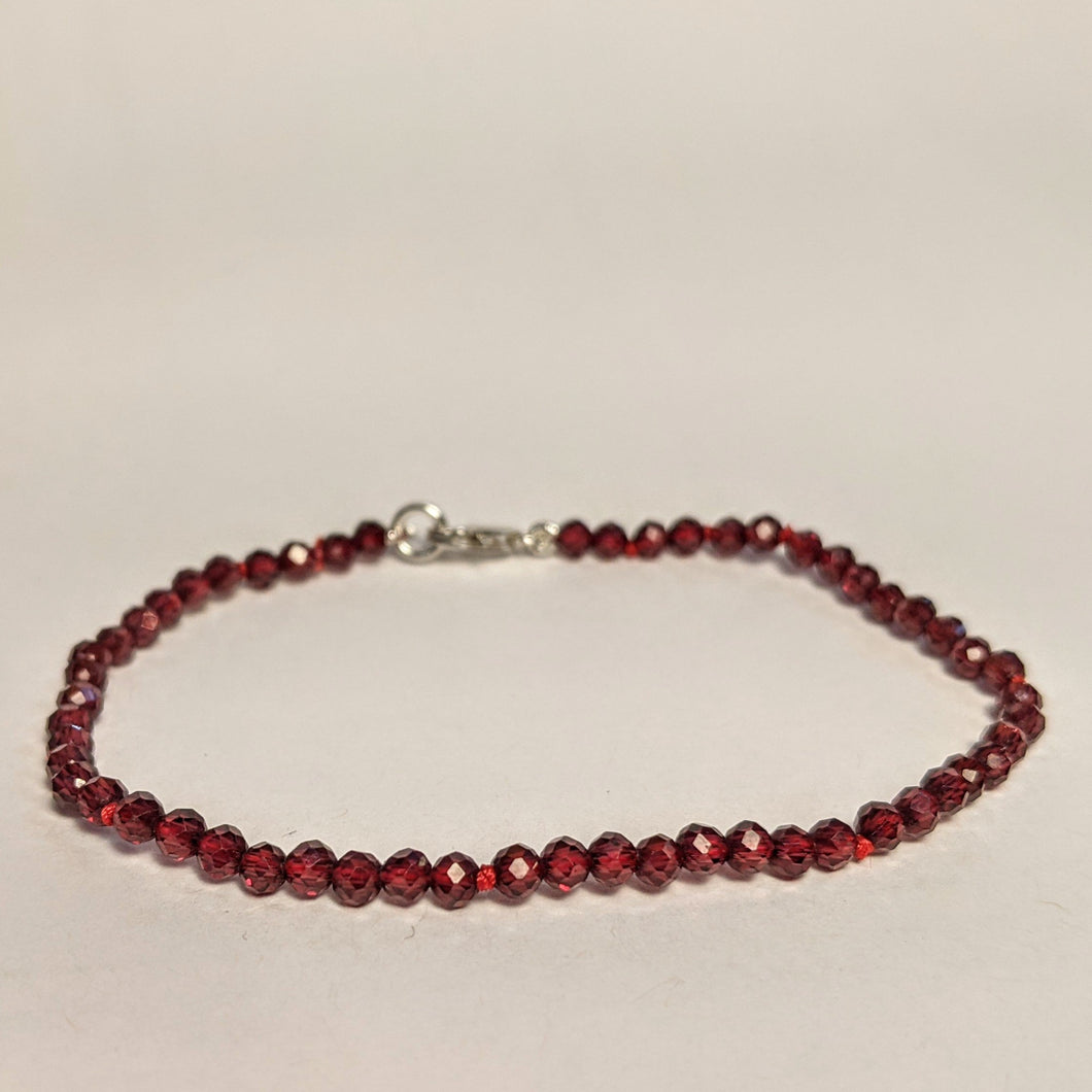 PREMIUM COLLECTION - Natural Ruby bracelet