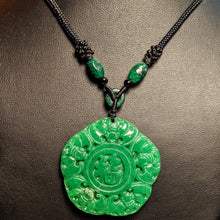 Load image into Gallery viewer, Jade  medallion pendant - green Jade