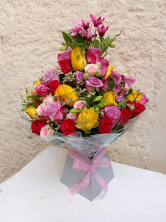 Pink diamond royal box bouquet