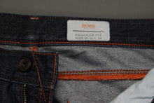 "Load image into Gallery viewer, HUGO BOSS Mens Blue Denim HB26.1 Regular Fit JEANS - Size Waist 32"" - Leg 34"""