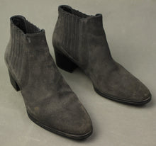 Load image into Gallery viewer, TOD'S Ladies Grey Suede Heeled CHELSEA BOOTS - Size 36.5 - UK 4 - US 6.5 - TODS