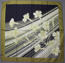 Load image into Gallery viewer, 100% SILK Floral Pattern SCARF - 87cm x 87cm - Made in Italy