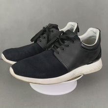 Load and play video in Gallery viewer, LOUIS VUITTON Mens Black Trainers / Casual Shoes - Size EU 41.5 - UK 7.5