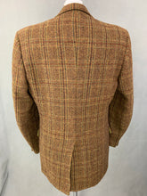"Load image into Gallery viewer, Vintage HARRIS TWEED Mens BLAZER / JACKET by PERTH LTD Size 42R - 42"" Chest"