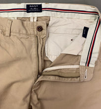 "Load image into Gallery viewer, GANT Mens NEW HAVEN Beige CHINOS / TROUSERS Size Waist 32"" - Leg 31"""
