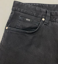 "Load image into Gallery viewer, HUGO BOSS Mens KANSAS Black Denim Regular Fit JEANS Size Waist 38"" - Leg 31"""
