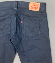 "Load image into Gallery viewer, LEVI STRAUSS &Co LEVI'S Blue Denim 506 JEANS Size Waist 32"" Leg 30"" LEVIS"