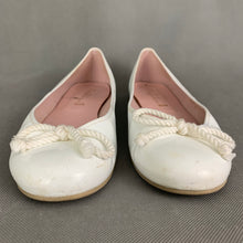 Load image into Gallery viewer, PRETTY BALLERINAS Ladies White Leather Ballerina Shoes - Size EU 41 - UK 8