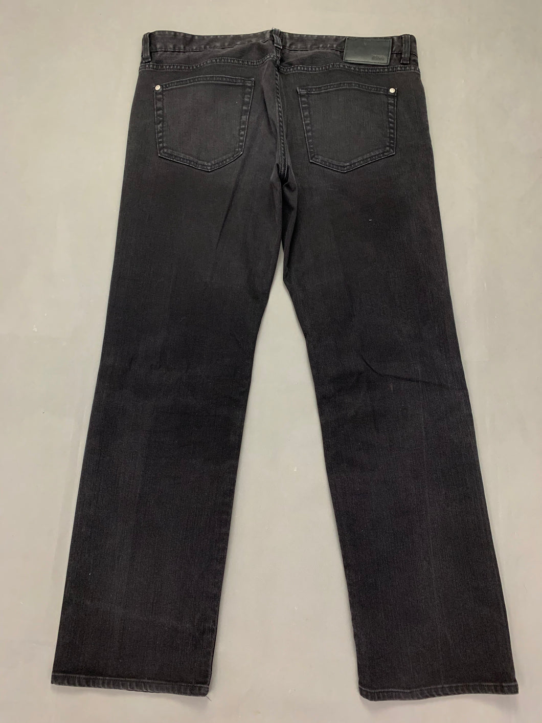 HUGO BOSS Mens KANSAS Black Denim Regular Fit JEANS Size Waist 38