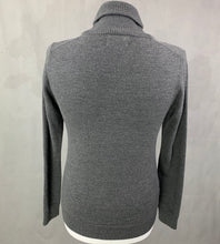 Load image into Gallery viewer, FRED PERRY Mens 100% Merino Wool Grey JUMPER - Size XS - Extra Small