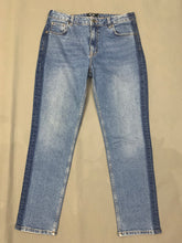 "Load image into Gallery viewer, ME+EM Ladies Blue Denim Tapered Leg JEANS Size Waist 28"" - Leg 29"" ME + EM"