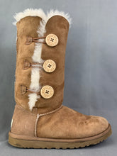 Load image into Gallery viewer, UGG AUSTRALIA Chestnut Brown BAILEY BUTTON TRIPLET BOOTS Size EU 37 UGGS UK 4.5
