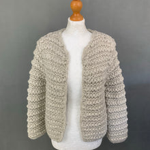 Load image into Gallery viewer, NICOLE FARHI Ladies Super-Chunky Knit Cardigan - Size Medium M