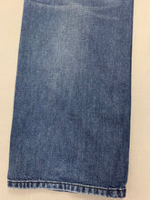 "Load image into Gallery viewer, DIESEL Mens LARKEE-RELAXED Blue Denim Straight JEANS Size Waist 36"" - Leg 30"""