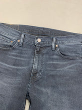 "Load image into Gallery viewer, LEVI STRAUSS & Co Mens Blue Denim LEVI'S 541 JEANS Size Waist 32"" Leg 31"" LEVIS"