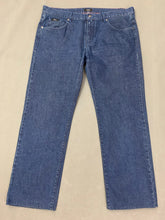 "Load image into Gallery viewer, HUGO BOSS Mens KANSAS Blue Denim Regular Fit JEANS Size Waist 38"" - Leg 30"""