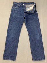 "Load image into Gallery viewer, LEVI STRAUSS &Co Mens LEVI'S Blue Denim 501 JEANS Size Waist 32""  Leg 29"" LEVIS"