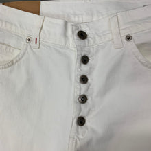 "Load image into Gallery viewer, DONDUP Mens ROLLY Regular Fit White Denim SHORTS - Size 34"" Waist"