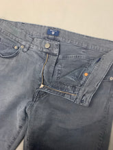 "Load image into Gallery viewer, GANT Mens Dark Blue Regular Fit JEANS Size Waist 32"" - Leg 31"""