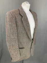 "Load image into Gallery viewer, HARRIS TWEED BLAZER / JACKET by DUNN & Co Size 42R - 42"" Chest"