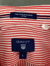 Load image into Gallery viewer, GANT Mens THE POPLIN BANKER Fitted Red Striped SHIRT - Size Large - L