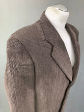 "Load image into Gallery viewer, Vintage GIORGIO ARMANI Mens Wool Blend BLAZER / JACKET Size 40R - 40"" Chest"