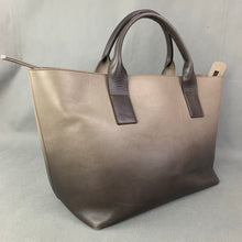 Load image into Gallery viewer, FABIANA FILIPPI Large Leather Handbag / Tote Bag - Made in Italy