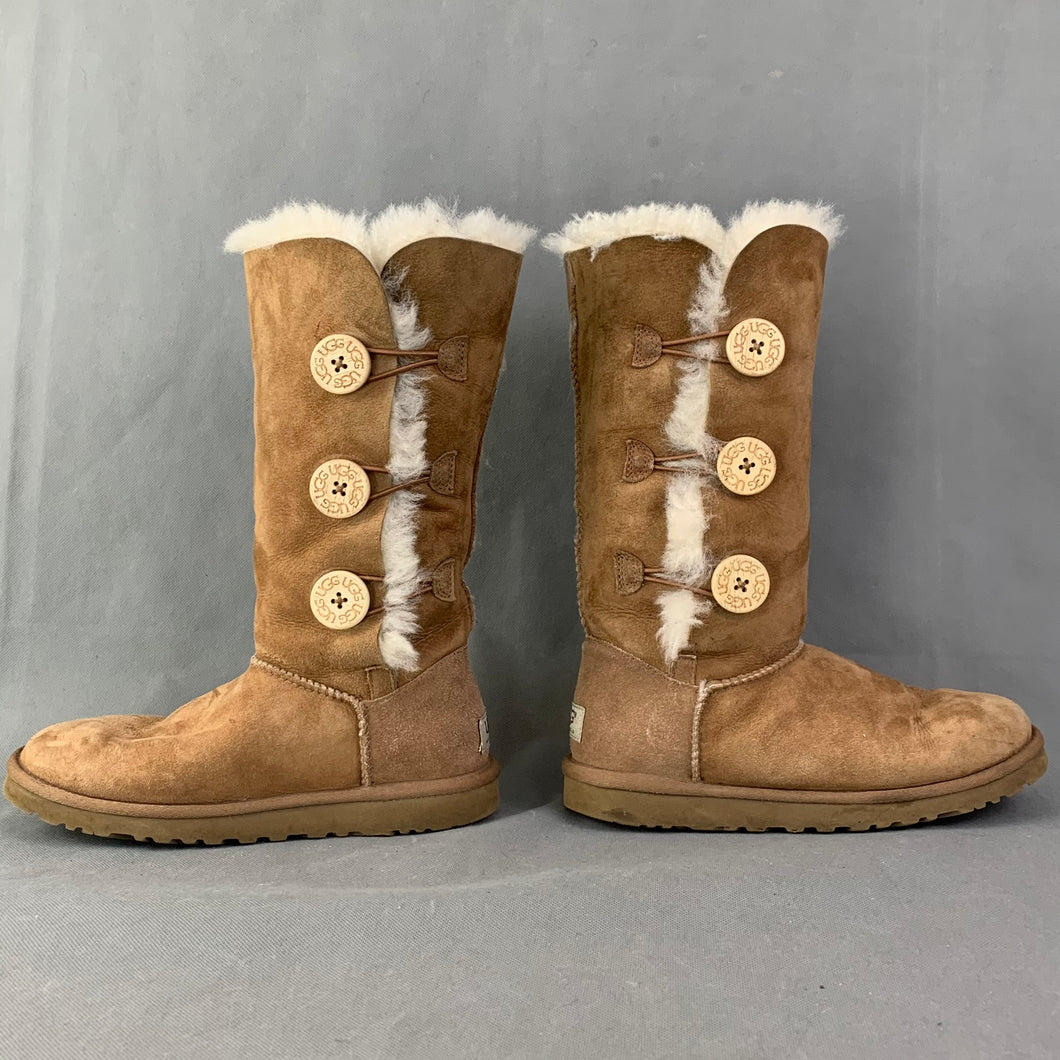 UGG AUSTRALIA Chestnut Brown BAILEY BUTTON TRIPLET BOOTS Size EU 37 UGGS UK 4.5
