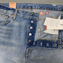 "Load image into Gallery viewer, New LEVI STRAUSS &Co Mens LEVI'S PRIDE 501 SHORTS Size Waist 34"" LEVIS BNWT"