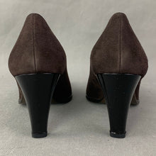 Load image into Gallery viewer, STUART WEITZMAN Cola Suede FETE Heel COURT SHOES Size UK 5.5 - EU 38.5