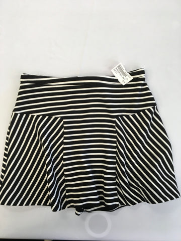 Candies Womens Short Skirt Size 3/4 - Plato's Closet Batavia