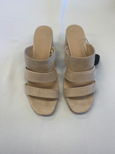 Casual Shoes Womens 7.5 - Plato's Closet
