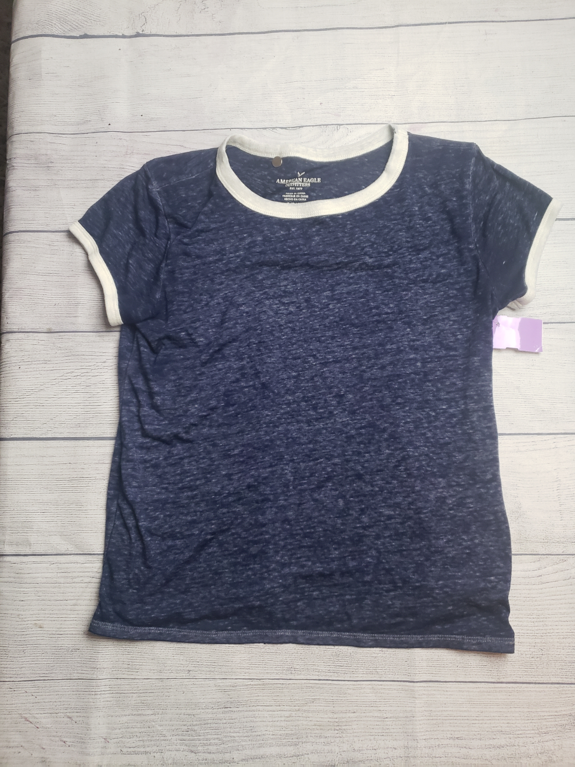 American Eagle Short Sleeve Top Size Small - Plato's Closet