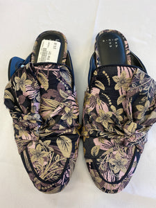 Casual Shoes Womens 7 - Plato's Closet