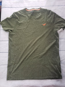 Hollister T-shirt Size Medium - Plato's Closet Batavia