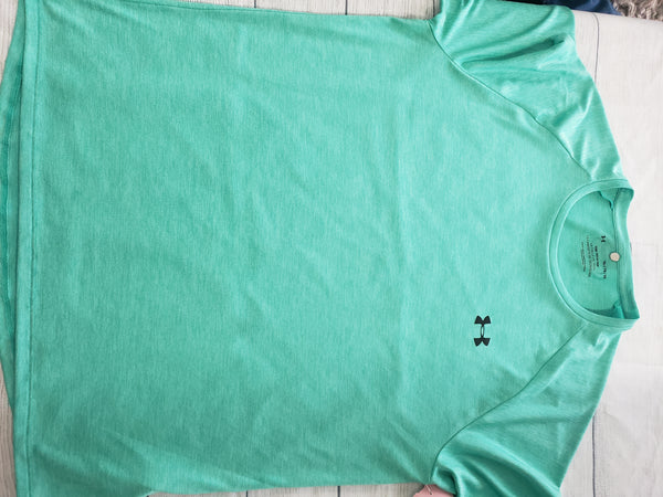 Under Armour T-shirt Size Extra Large - Plato's Closet