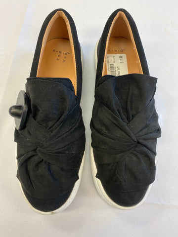 Casual Shoes Womens 6.5 - Plato's Closet Batavia
