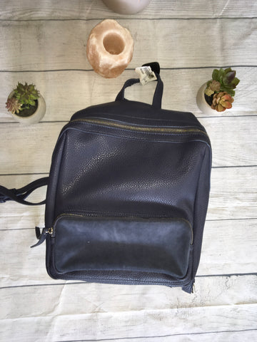Moda luxe Backpack - Plato's Closet Batavia