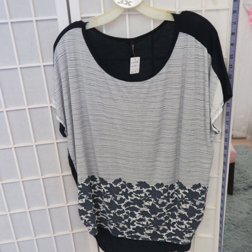Short Sleeve Top - Size 3X