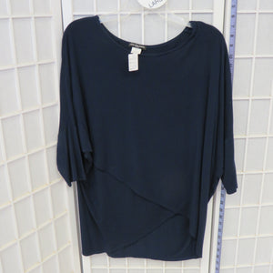 Short Sleeve Top - Size Large