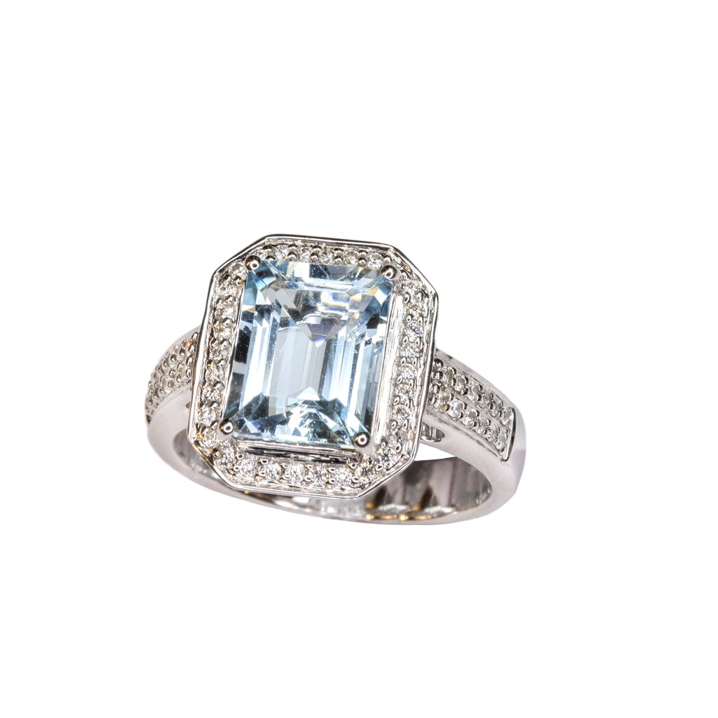 14kt white gold emerald cut aquamarine ring