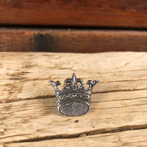 St. Edward Crown pin