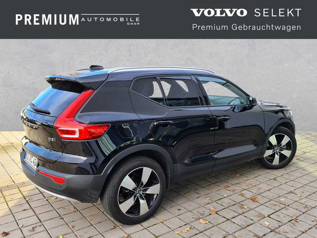 VOLVO - XC40 D3 AWD Geartronic Momentum Pro