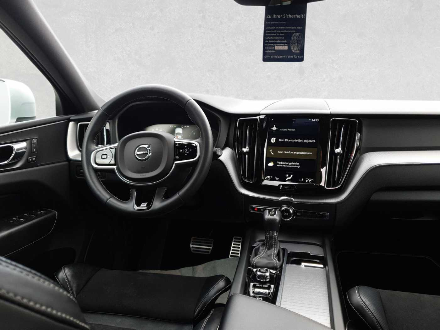 VOLVO - XC60 D5 AWD Geartronic RDesign Keyless/Standhzg