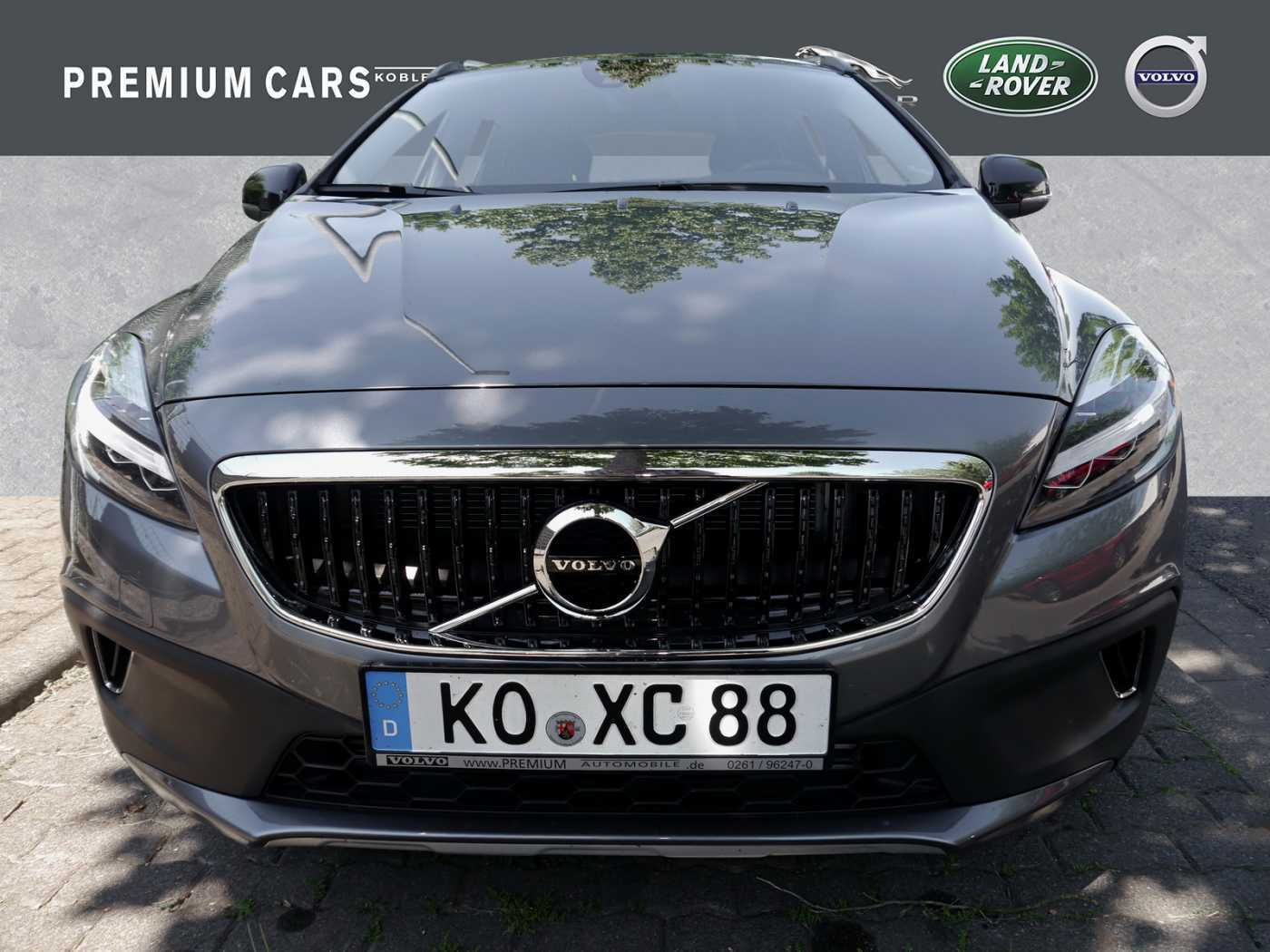 VOLVO - V40 Cross Country D4 Geartronic Momentum