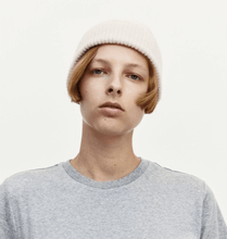 Load image into Gallery viewer, Le Bonnet Beanie in Smoke