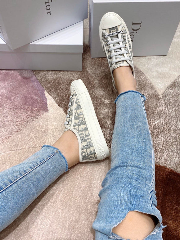 The walk'N oblique low top sneakers