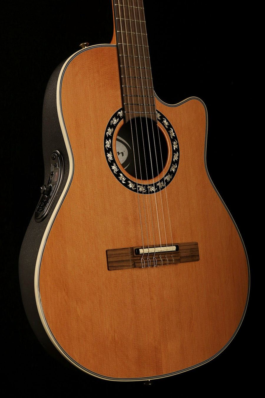 Ovation Classic Nylon M 1773 AX4 natural Top